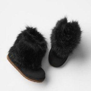 Baby Gap Black Faux Fur Booties